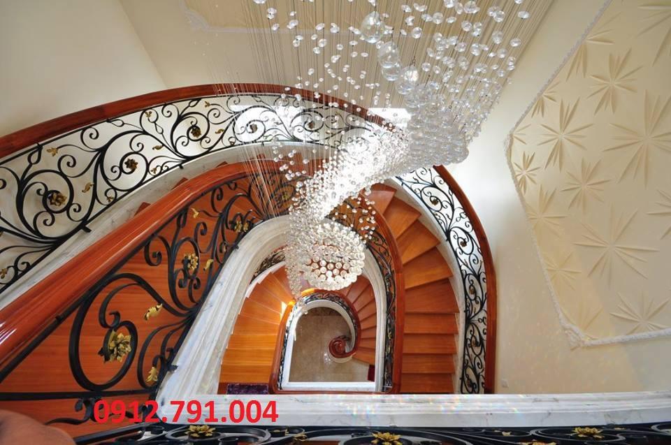 Báo giá cầu thang sắt nghệ thuật giá rẻ