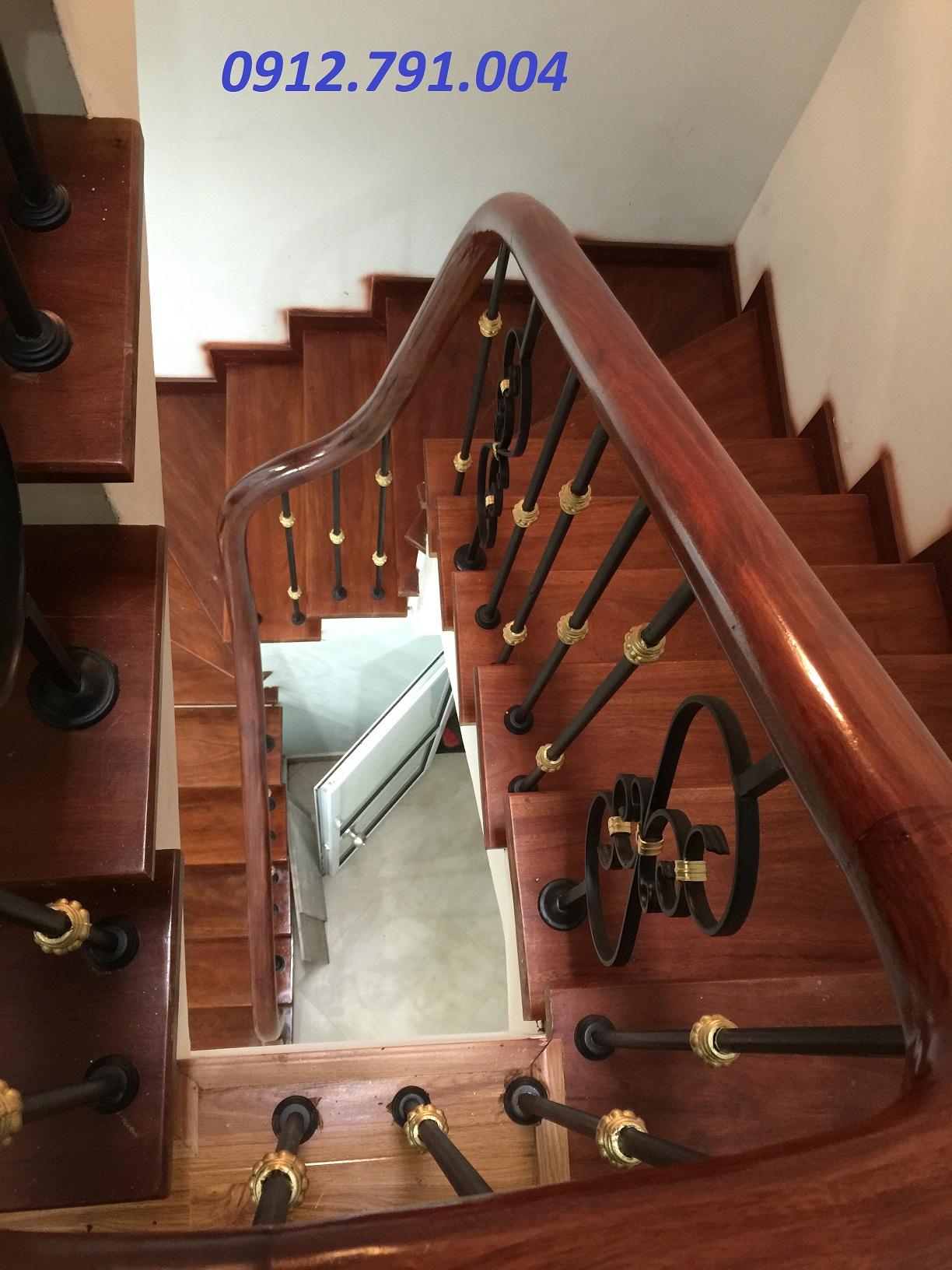 Cầu thang gỗ và những điều cần biết