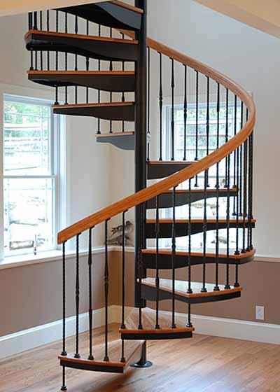 Cầu thang sắt đẹp, đơn giản