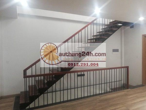 Cầu thang sắt đẹp Hà Nội