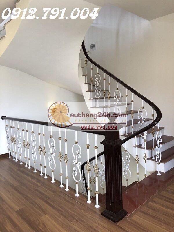 Cầu thang sắt nghệ thuật - Ngôi vương thiết kế