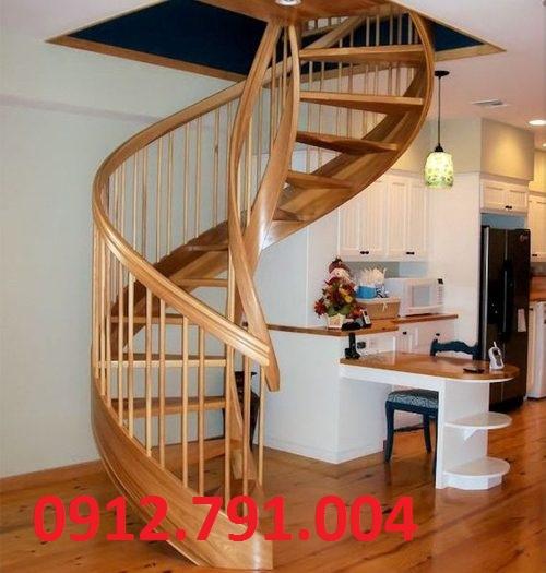 Cầu thang xoắn ốc đẹp cho nhà phố