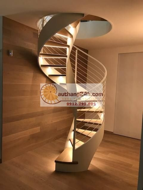 Nhà gỗ có nên lắp cầu thang sắt không?